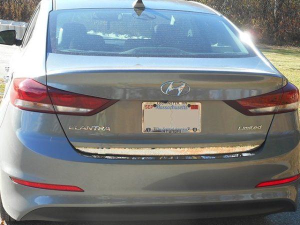 Listwa chromoana na klapę bagażnika do Hyundai Elantra