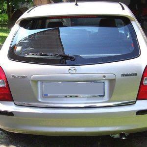 Listwa chromowana do samochodu Mazda 323 na klapę bagażnika